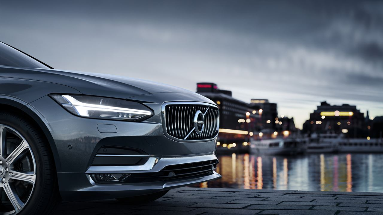 the luxurious volvo s90 at volvo cars of manhattan in nyc. Black Bedroom Furniture Sets. Home Design Ideas
